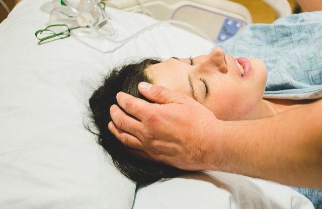 Vse o popadkih in kako preživimo aktivno fazo poroda